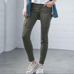 Bullhead army green skinny jeans